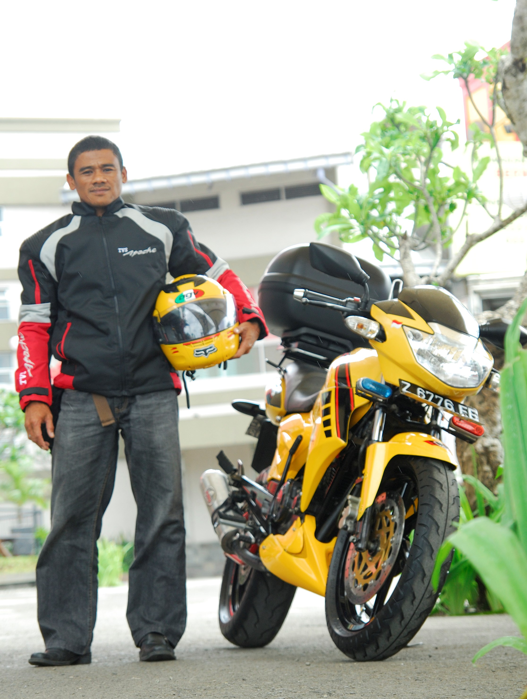 sumber,http://gilamotor.com/2010/12/apache-rtr-160-sport-touring-sang  title=