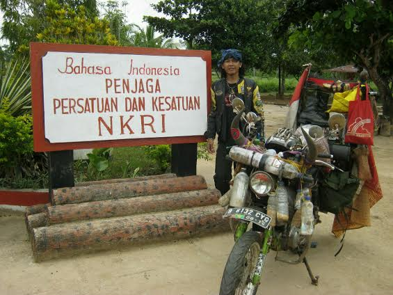 Angga Pribadi Laksana - Touring Keliling Indonesia 1